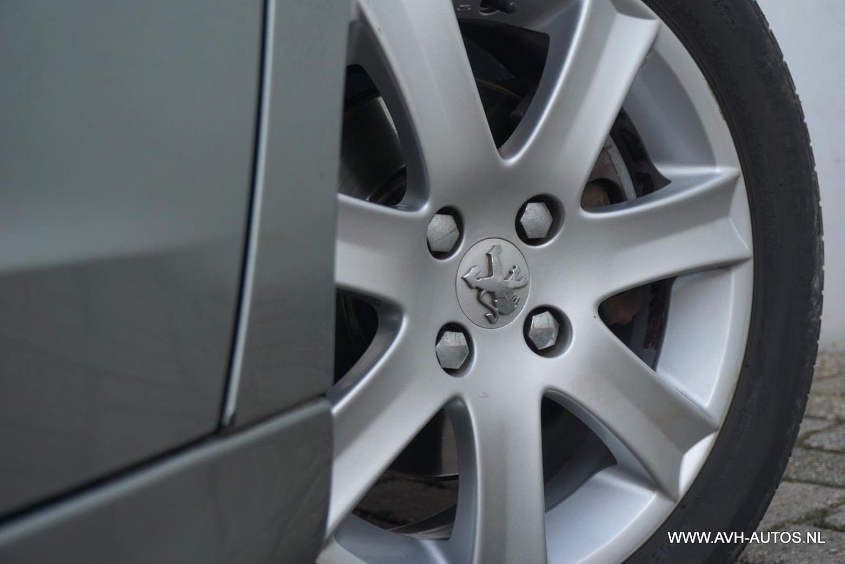Peugeot-207-11